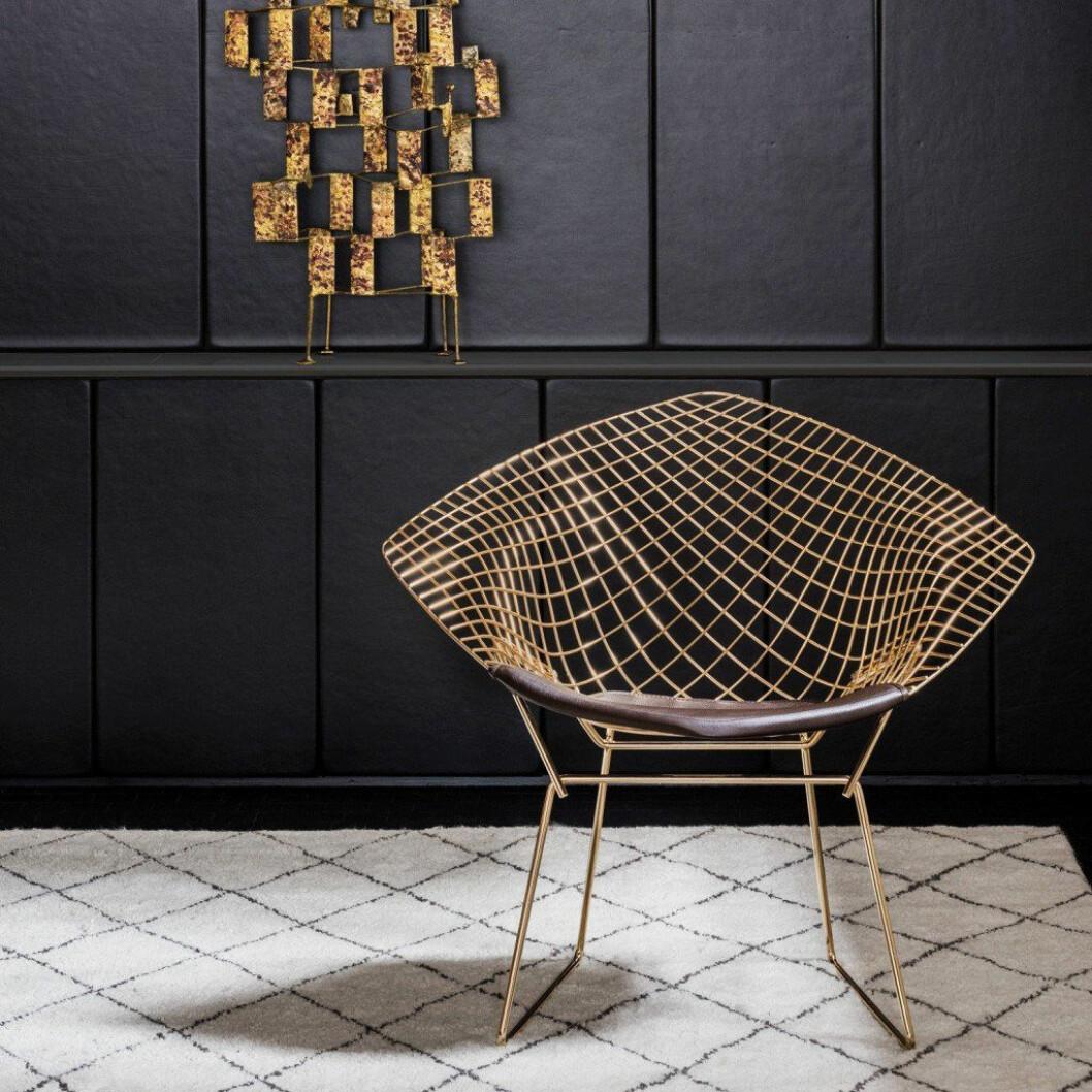 01. art-deco-chair