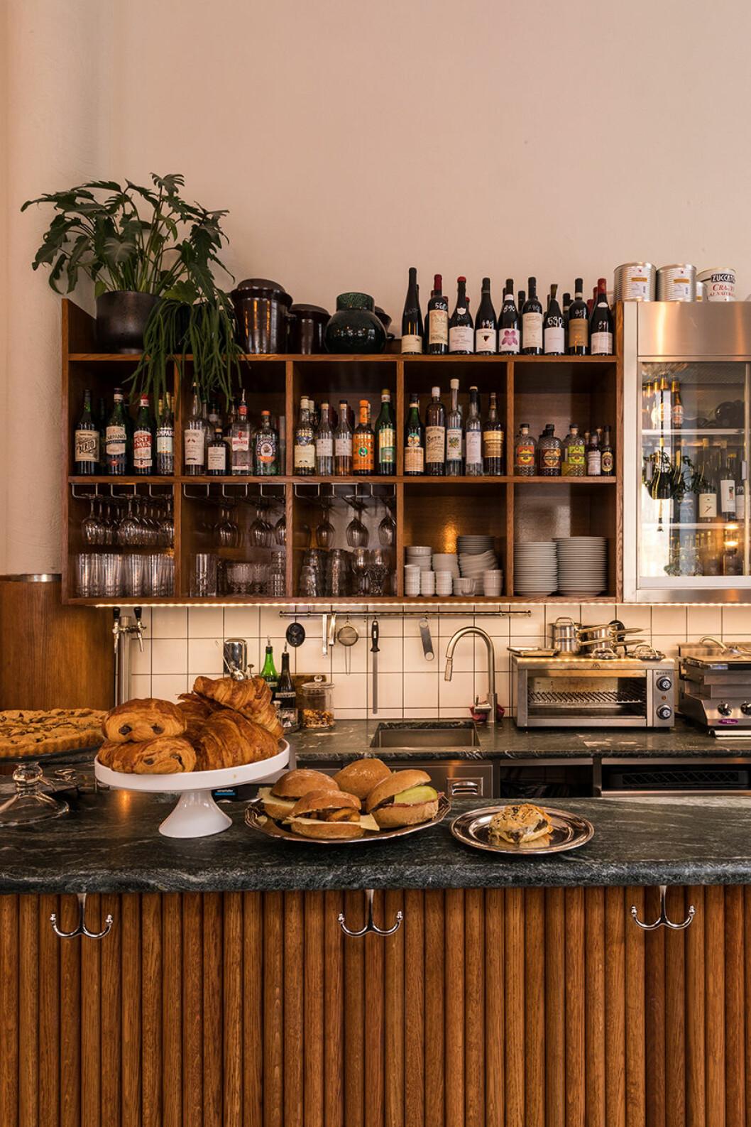 schmaltz bar