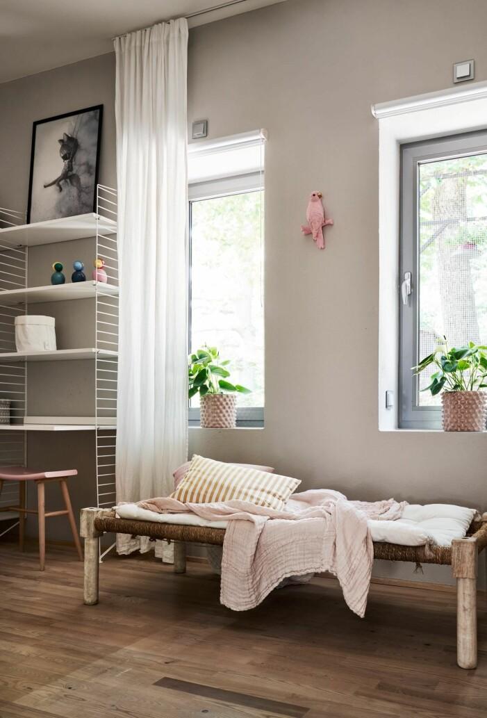 Arkitektritad lyxvilla i Saltsjö-Boo utanför Stockholm, barnrum