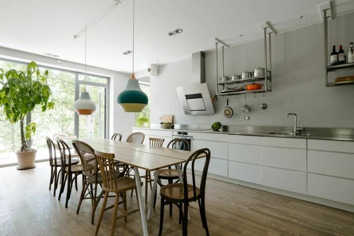 Arkitektritad lyxvilla i Saltsjö-Boo utanför Stockholm, köket