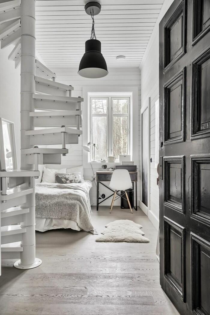 barnrum i vitt hos Pella Hedeby