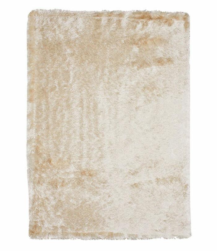 beige fluffig matta