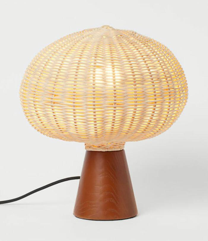 Bordslampa i rotting från H&M Home