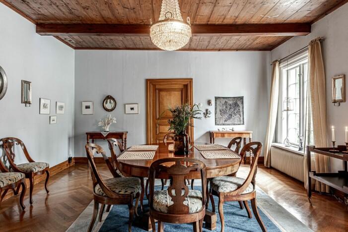 Herrgård i karolinsk stil i Borgvik Värmland matsalen