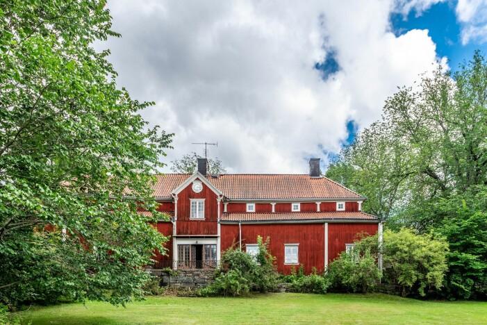 Herrgård i karolinsk stil i Borgvik Värmland till salu