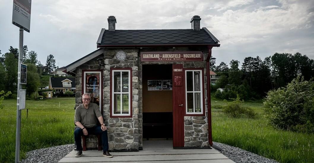 Busskuren på Ekerö är inspirerad av Harry Potters värld.