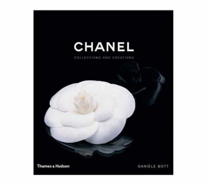coffee table-bok Chanel