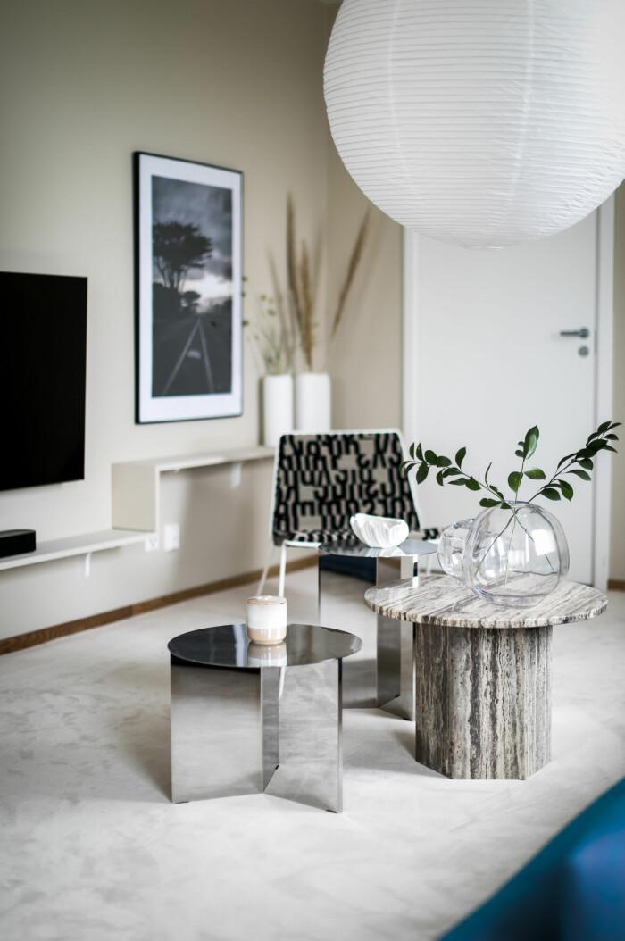 designmöbler och up-cyclade möbler i 20–30:s delningslägenhet i solna