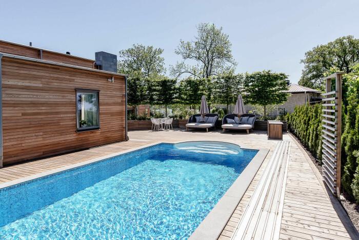 Villa med pool till salu Strandvägen Djursholm