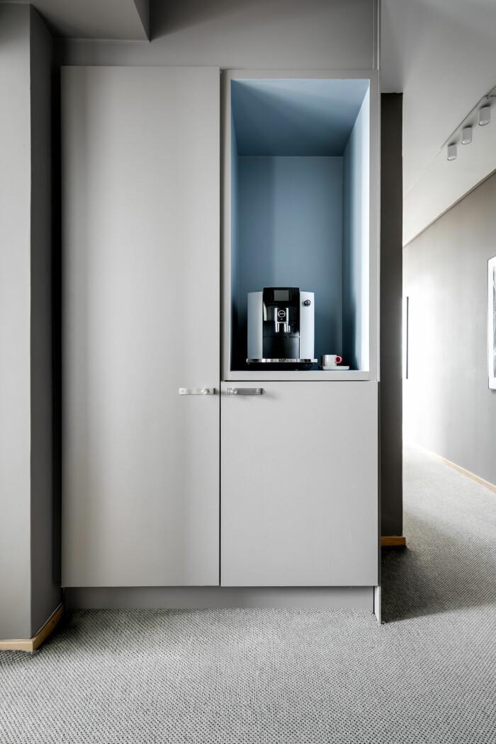 exklusiva detaljer som nespresso-maskin i delningslägenheten