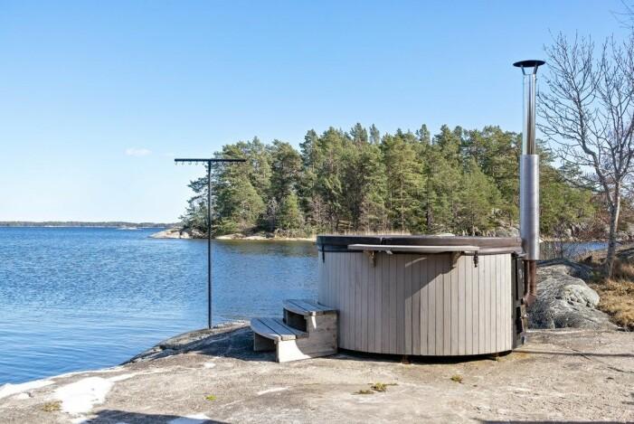 Fritidshus på egen udde till salu gällnöby badtunna