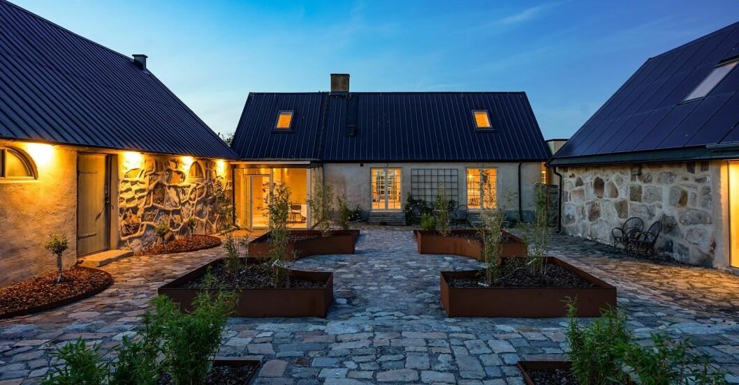Den arkitektritade innergården.
