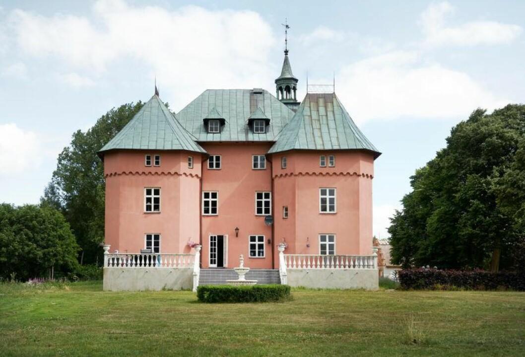 Garsnas slott till salu