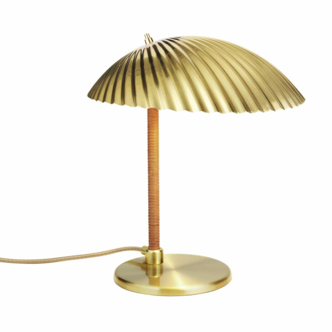bordslampa från gubi