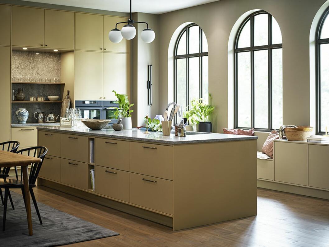 Gult kök från Vedum i en av trendfärgerna 2020