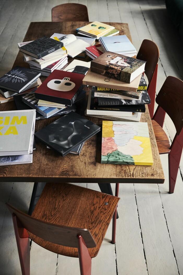 Böcker formgivna av Patric Leo