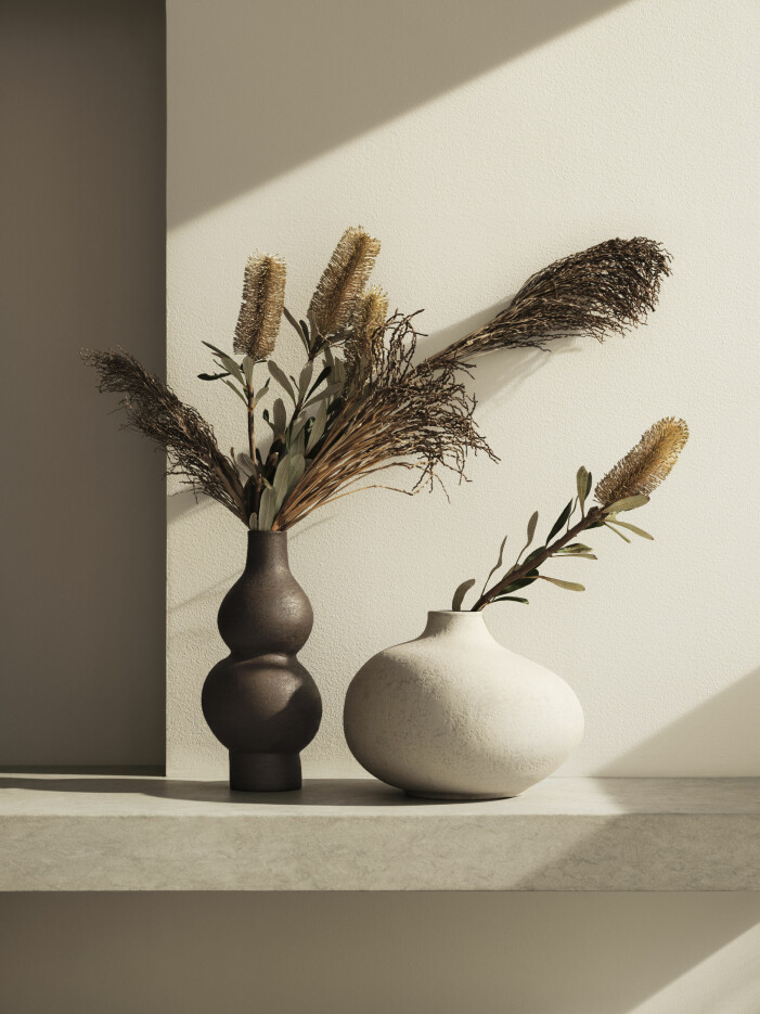 Investera i vaser i lekfulla, böljande former