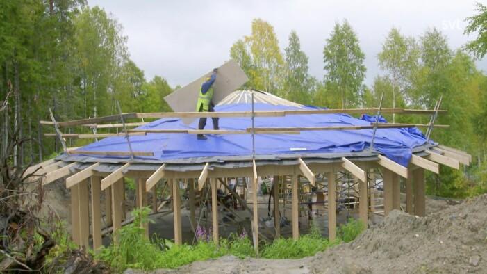 Husdrömmar säsong 8 avsnitt 9, Erik och Laura bygger ett runt halmbalshus