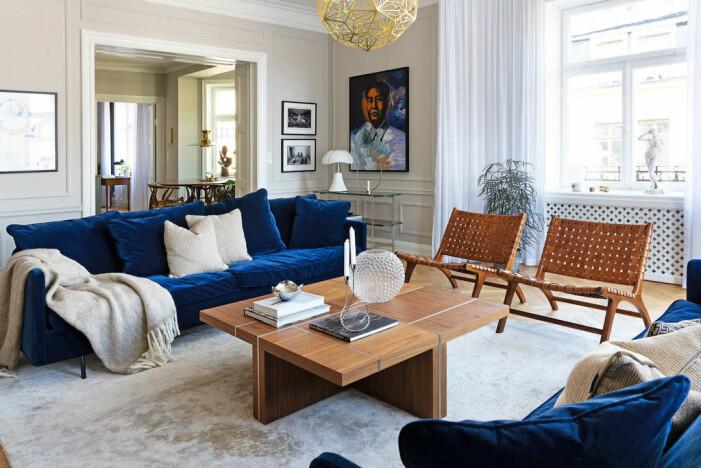 Jahrhundertwendewohnung mit herrlichem Eckbalkon zu verkaufen Wohnzimmer