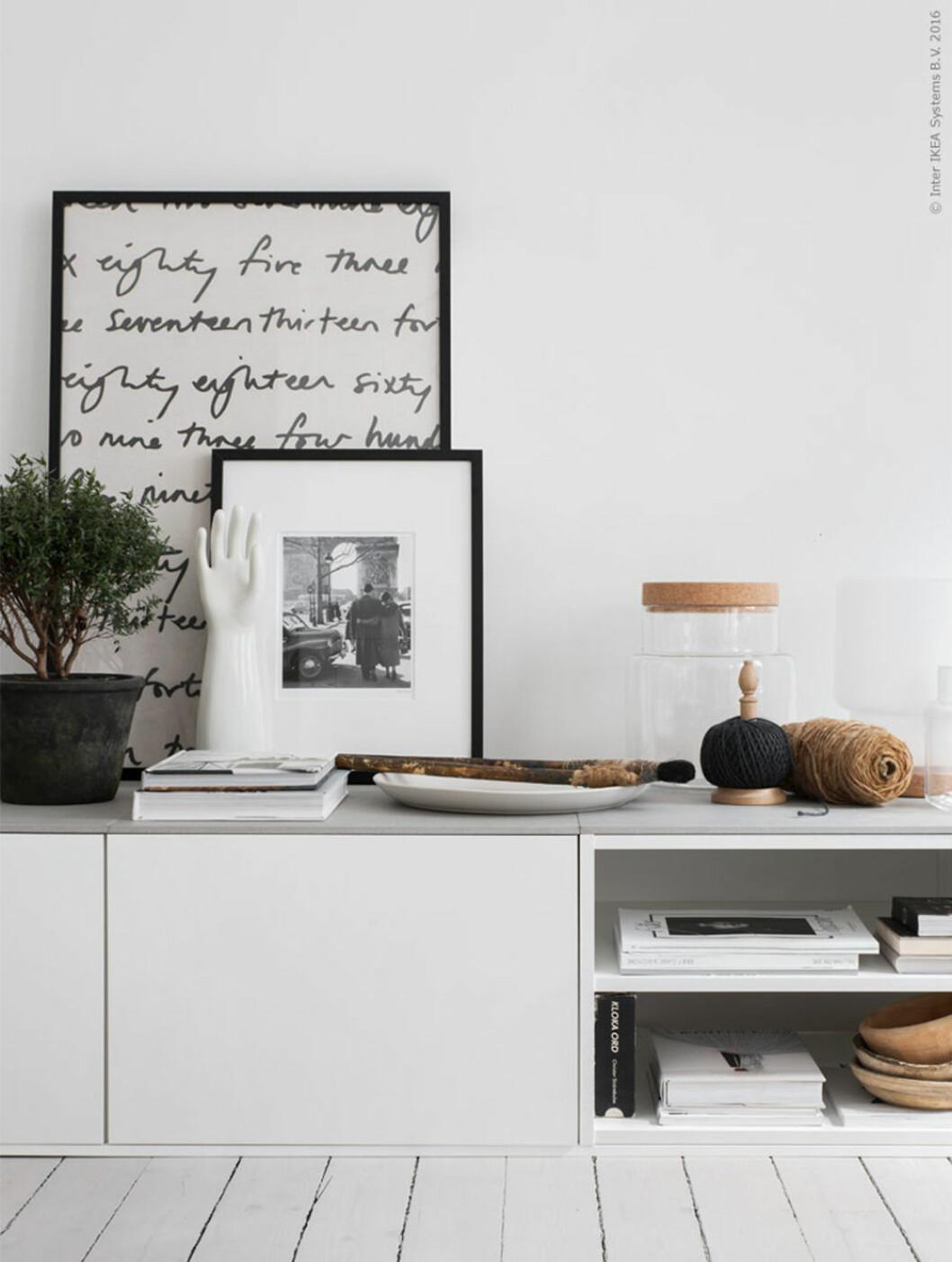 Gamla köksskåp från Ikea kan bli en stilfull tv-bänk.