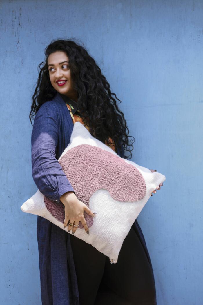 Ikeas egen designer Akanksha Deo som har sin bas i Delhi.