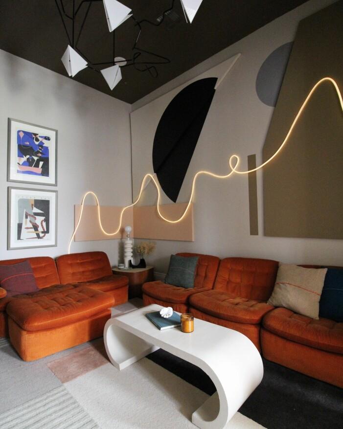 Inred med neon, neon room, neon på väggarna