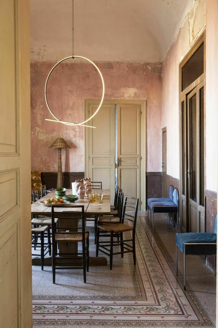 Inred med varma toner, hemma hos Marie Olsson Nylander