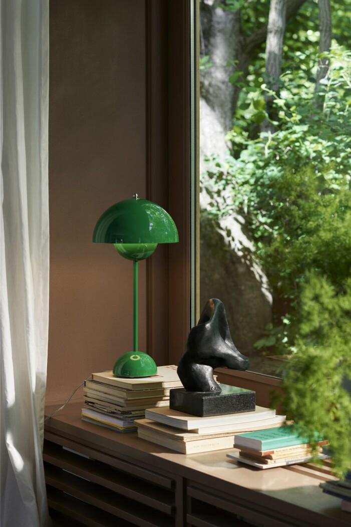 Grüne Tischlampe & Tradition