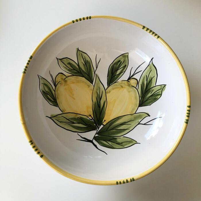 italienskt porslin med citronmönster