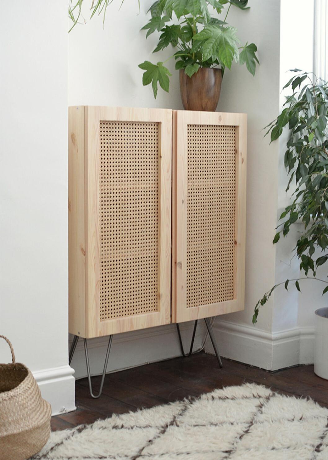 Ivar-skåp från Ikea med DIY-rottingdörrar