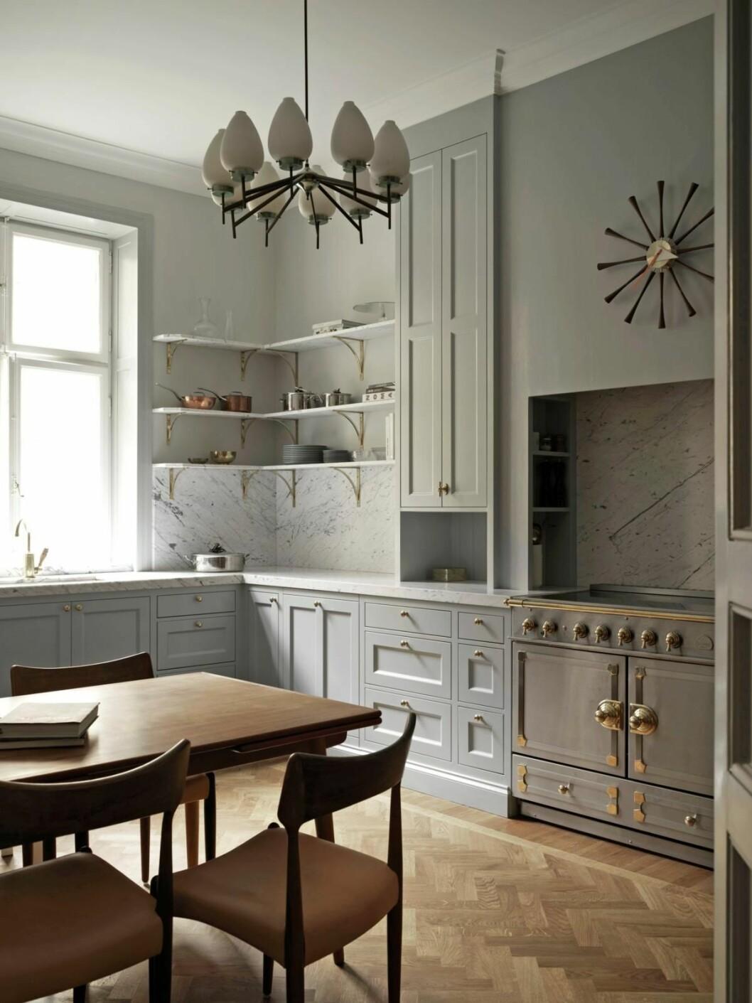 ett kök stylat av Joanna laven