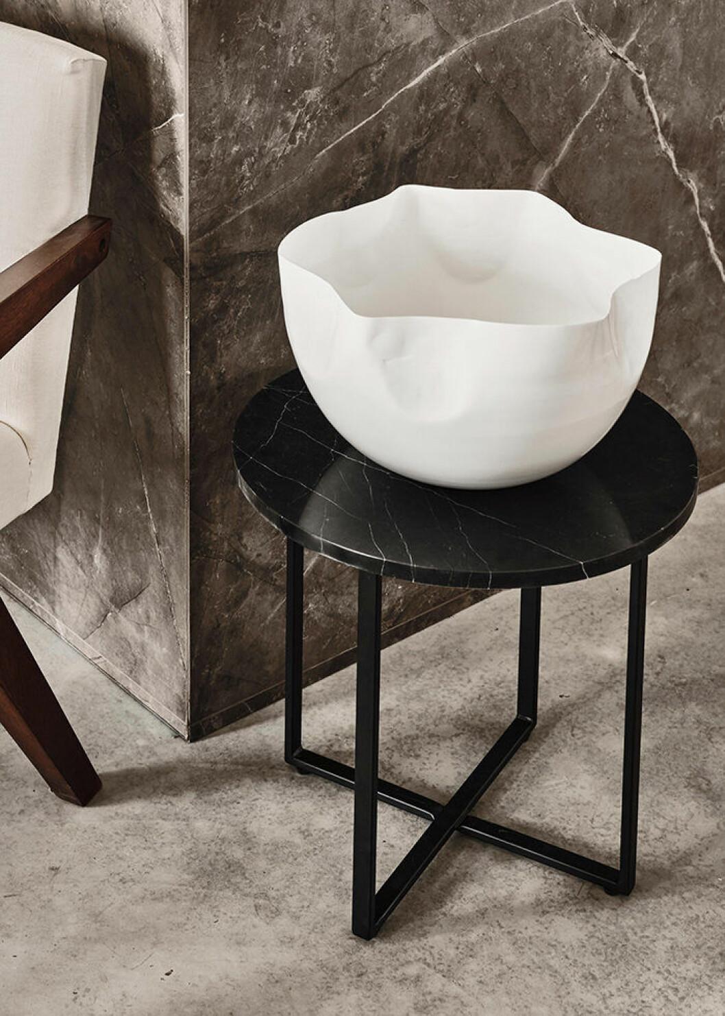 Marmorbord och skål i vitt från Jotex hösten 2019