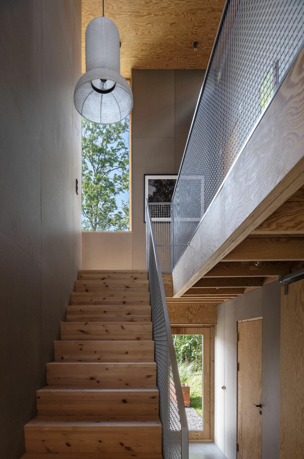 Trappan till övervåningen i Villa Späckhuggaren.
