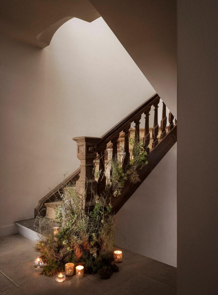 julpyntad trappa