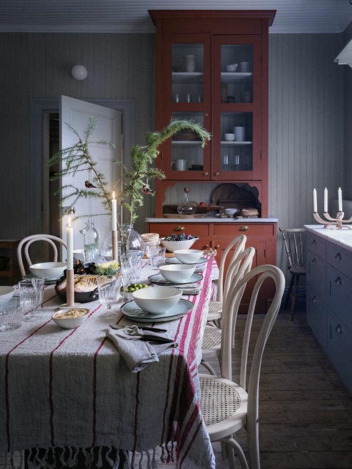 bordsduk som ger julkänsla