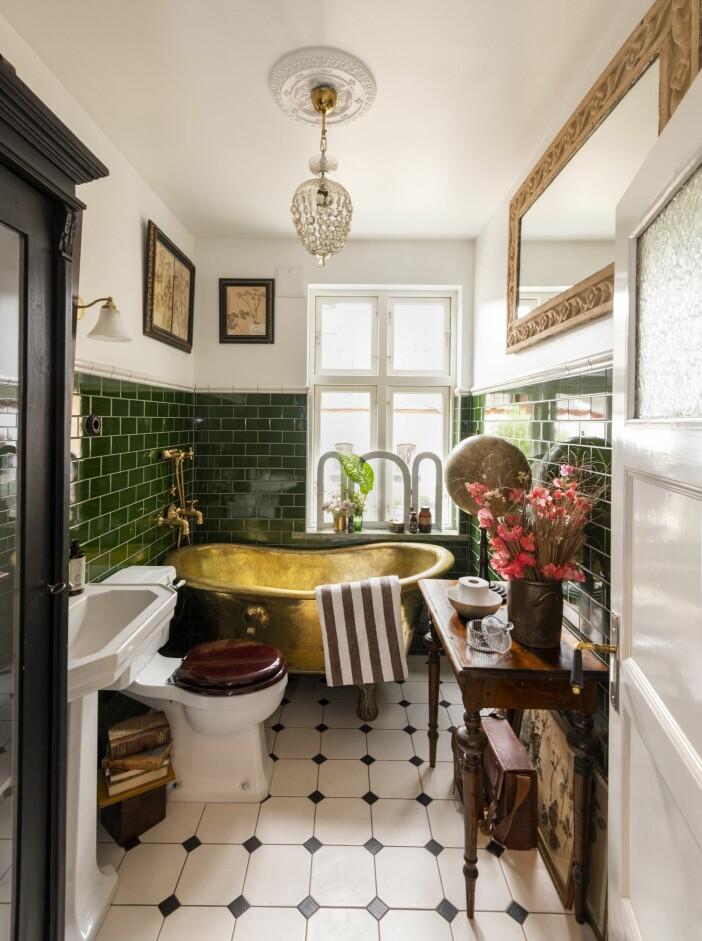 Hemma hos Karl Fredrik på Österlen badrum badkar
