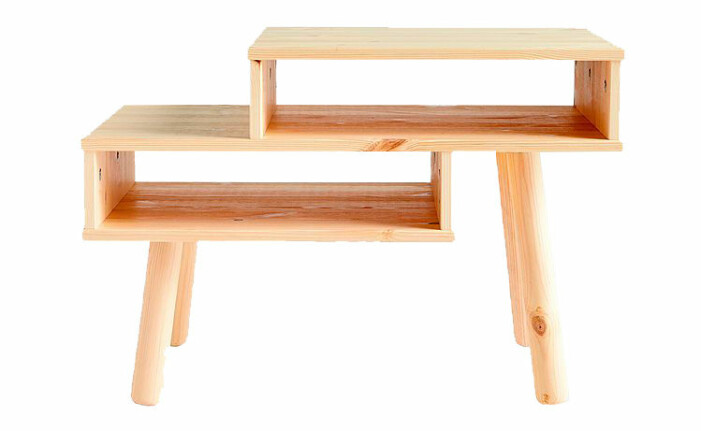 soffbord i trä med fack