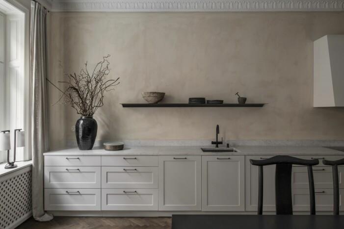 Kök från Kvänum och väggar med kalkfärg