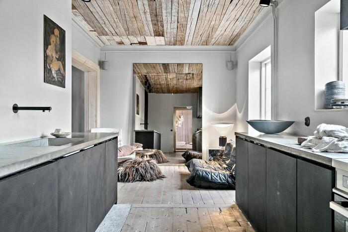 kök med litet vardagsrum intill
