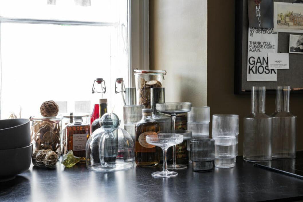 Kökstrender: Detaljer i räfflat glas