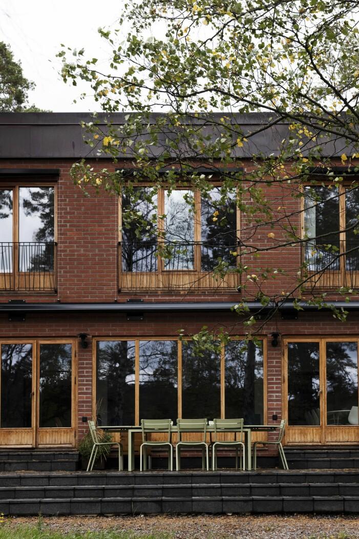 Husets fasad i tegel