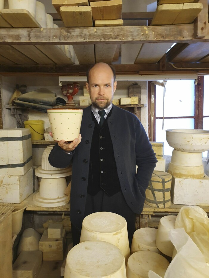 Lars Nilsson besöker Nittsjö keramik.