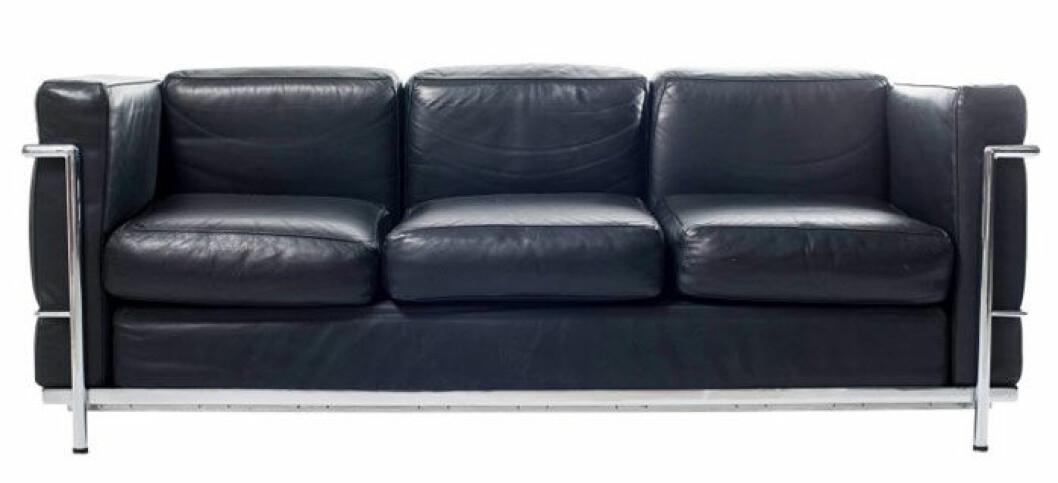 lc3-sofa-by-le-corbusier-for-alivar-31-kopia