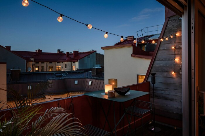 ljusslinga på mysig balkong i göteborg