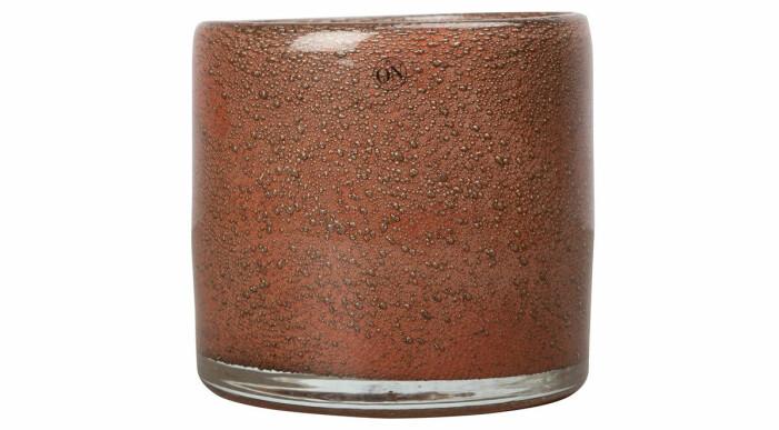 brun ljushållare i glas