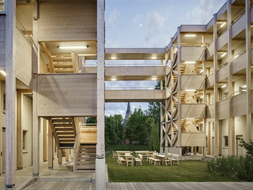 Marge arkitekter för Conlegas räkning ett flerbostadshus i massivträ.
