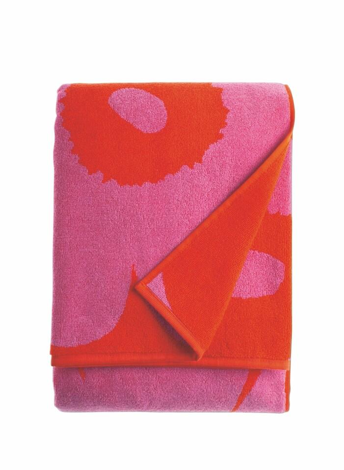 Rödrosa badlakan från Marimekko