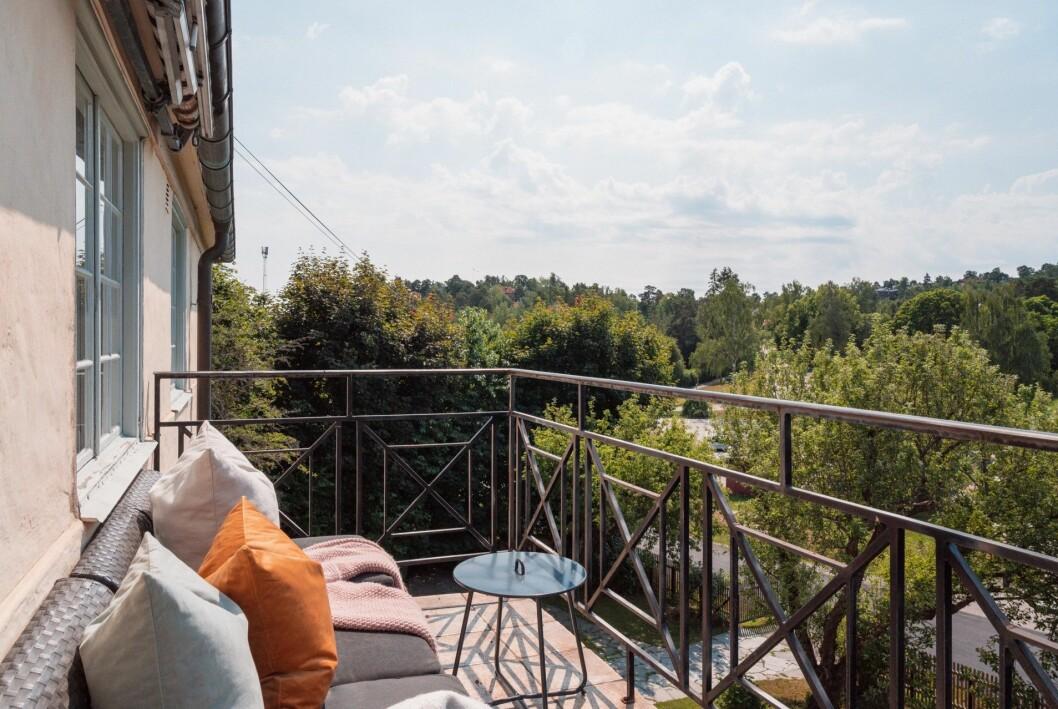 Balkong med utsikt.