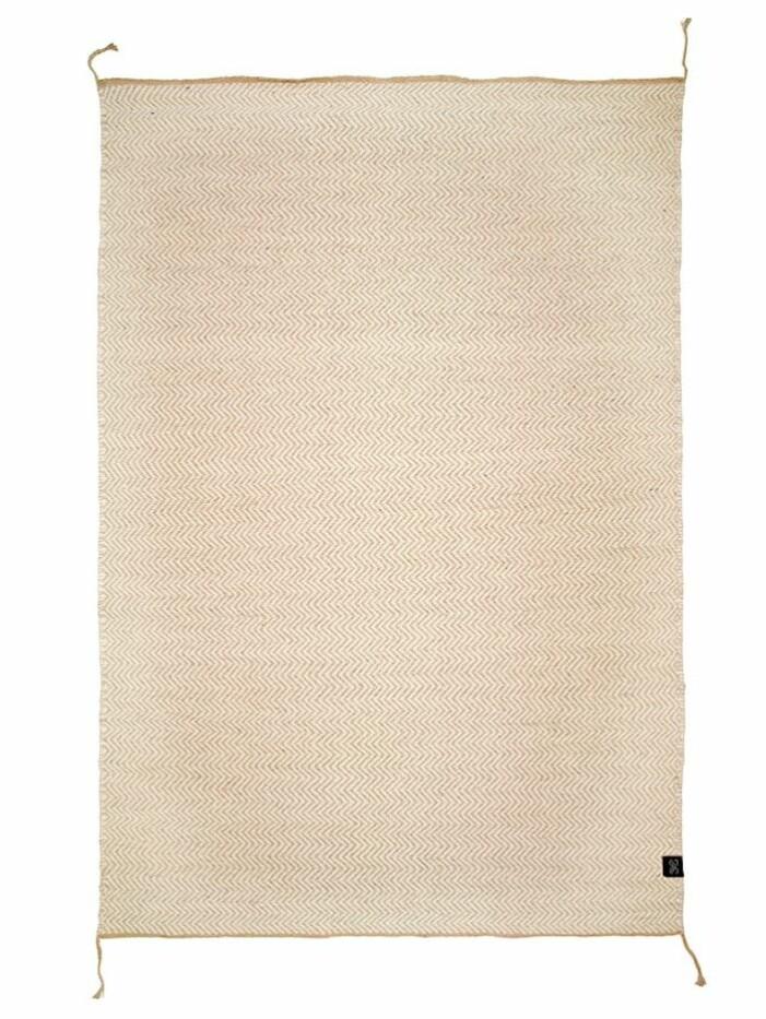 mjuk beige matta