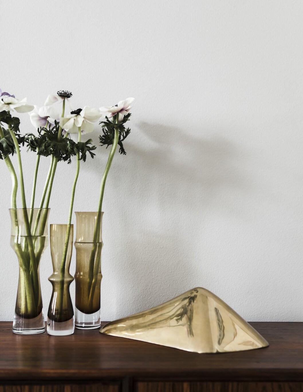 Bild på vaser från Jonathan Sandler hemma hos Frida Gustavsson.